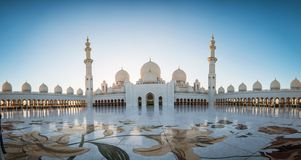 Abu Dhabi, UAE am 4. Januar 2018 Sheikh Zayed Grand Mosque in Abu Dhabi Lizenzfreies Stockfoto