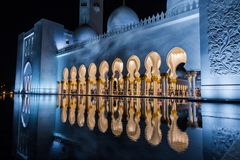 Abu Dhabi, UAE am 4. Januar 2018 Sheikh Zayed Grand Mosque in Abu Dhabi Lizenzfreie Stockbilder