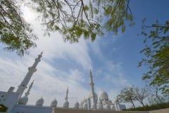 ABU DHABI UAE -19 MARS 2016: Sheikh Zayed Grand Mosque i Abu Dhabi, Förenade Arabemiraten Arkivbilder