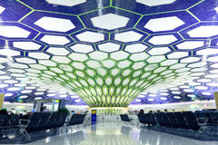 Abu Dhabi, UAE - 26 novembre: Abu Dhabi International Airport il 26 novembre 2012 Fotografia Stock Libera da Diritti