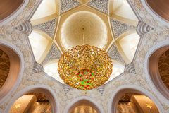 ABU DHABI, UAE, am 4. Oktober 2014: Sheikh Zayed Grand Mosque Inter Lizenzfreie Stockbilder