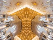 ABU DHABI, UAE, am 4. Oktober 2014: Sheikh Zayed Grand Mosque Inter Lizenzfreies Stockbild