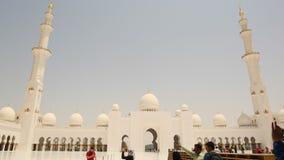 ABU DHABI, UAE - SIERPIEŃ 20, 2014: Sheikh Zayed meczet, Abu Dhabi, Zjednoczone Emiraty Arabskie Zdjęcie Stock
