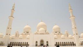 ABU DHABI, UAE - SIERPIEŃ 20, 2014: Sheikh Zayed meczet, Abu Dhabi, Zjednoczone Emiraty Arabskie Obraz Royalty Free