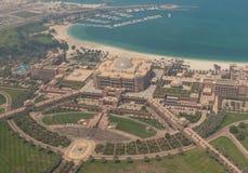 Abu Dhabi: uma vista do telhado fotografia de stock