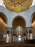 Abu Dhabi Uroczysty Meczetowy salowy Obraz Stock