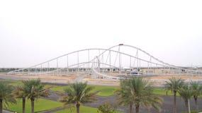ABU DHABI, VEREINIGTE ARABISCHE EMIRATE - 4. April 2014: Formel Rossa, die schnellste Achterbahn in der Welt in Ferrari Stockbild