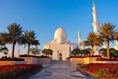 ABU DHABI, VEREINIGTE ARABISCHE EMIRATE - 4. JANUAR: Sheikh Zayed Grand Lizenzfreie Stockfotografie