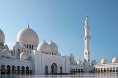 Abu Dhabi, Vereinigte Arabische Emirate - 20. November 2014: Sheikh Zayed Grand Mosque ist größte Moschee in UAE und im Schlüssel Stockbilder