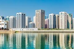 Abu Dhabi, Vereinigte Arabische Emirate, am 27. Oktober 2017: Stadtbild Stockfotografie