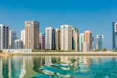 Abu Dhabi, Vereinigte Arabische Emirate, am 27. Oktober 2017: Stadtbild Stockbilder
