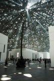 ABU DHABI, VERENIGDE ARABISCHE EMIRATEN - 26 JANUARI, 2018: Lichtenpassi stock afbeelding