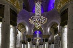 Abu Dhabi, Zjednoczone Emiraty Arabskie, wnętrze Sheikh Zayed meczet obraz royalty free