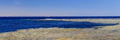 Abu Galum und das blaue Loch Lizenzfreies Stockfoto