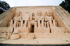 Abu Simbel som tempel på miniatyren parkerar, är ett öppet utrymme som visar miniatyrbyggnader och modeller royaltyfri bild