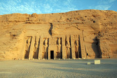 Abu Simbel - templo de Hathor y de Nefertari Foto de archivo