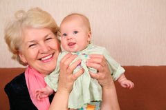 Abuela con el bebé Imágenes de archivo libres de regalías