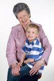 Abuela con el nieto. Foto de archivo libre de regalías