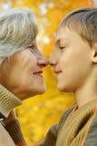 Abuela con el nieto Imagen de archivo