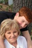 Abuela y nieto Fotos de archivo libres de regalías
