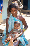 Abuela y nieto tribales indios Imágenes de archivo libres de regalías