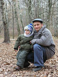 Abuelo con el nieto Imagenes de archivo