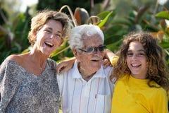 abuelo Multi-generacional, nieta, bisabuelo y bisnieta de la familia imágenes de archivo libres de regalías