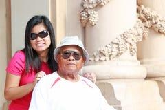 Abuelo y adolescente Fotos de archivo libres de regalías