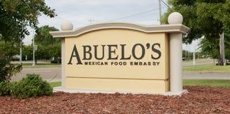 Abuelos mexikanisches Lebensmittel-Botschafts-Restaurant-Zeichen Lizenzfreies Stockfoto