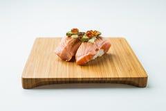 Aburi三文鱼Nigiri寿司 免版税图库摄影