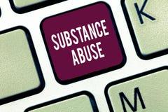 Abuso de substâncias do texto da escrita da palavra Conceito do negócio para o uso excessivo de um álcool da substância especialm fotografia de stock