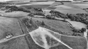 Abwärts Ansicht der Antenne des Hügels der Kreuze, Siauliai - Litauen stockfotos