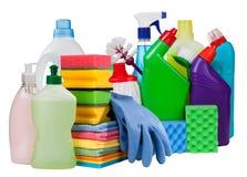 Abwaschflüssigkeit und -schwämme Flaschen und Chemikalienputzzeug lokalisiert Stockbild