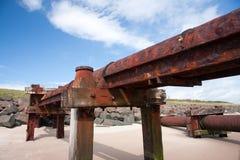 Abwasser-Anschluss-Rohr auf einem Strand Lizenzfreie Stockfotografie