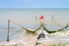 Abwasser auf der Küste des Meeres Stockfotografie