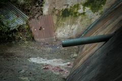 Abwasser von den Lebensmittelabfällen Stockfotos