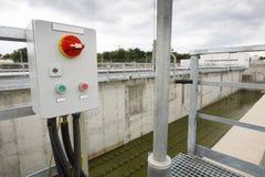 Abwasserbehandlungs-Anlagenschalttafel Stockfotos