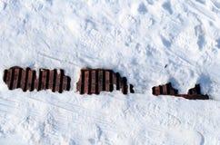 Abwassergrube im Schnee Lizenzfreie Stockfotografie