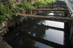 Abwasserkanal konkret stockfotografie