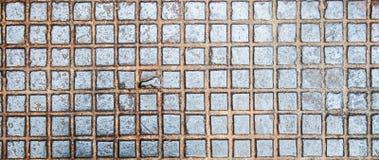 Abwasserkanallukenbeschaffenheit mit Rosthintergrund, Beschaffenheit, Weinlese Stockbild