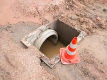 Abwasserkanalwasserleitungsbau Lizenzfreie Stockfotos