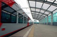 Abweichen des ` Schwalbe ` Zugs vom zentralen Ring Moskaus, Lizenzfreie Stockfotos