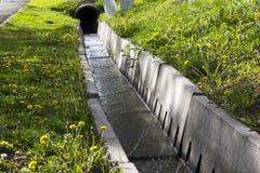 Abzugsgrabenwasser Lizenzfreie Stockfotos