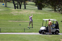 Abzweigen weg auf dem Golfplatz Stockbild