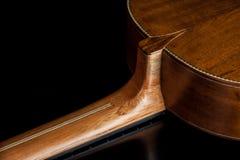 Acústico clásico de la guitarra hecho por Luciano Queiroz más luthier Fotografía de archivo