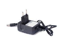 AC-/DCadapter auf weißem Hintergrund Stockfotos