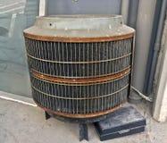 Ac-kompressorer, betingande enhetsmaskin för luft utanför och ask mo arkivfoton