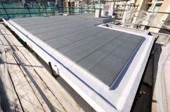 Acabado del tejado de un edificio Fotografía de archivo libre de regalías