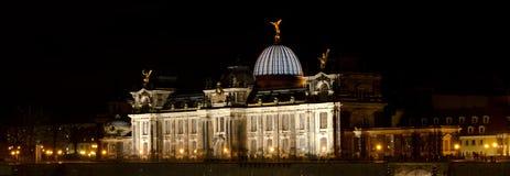 Academia de las bellas arte en la noche Fotos de archivo