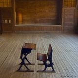 Academia. Country school desk and chair Royalty Free Stock Photos
